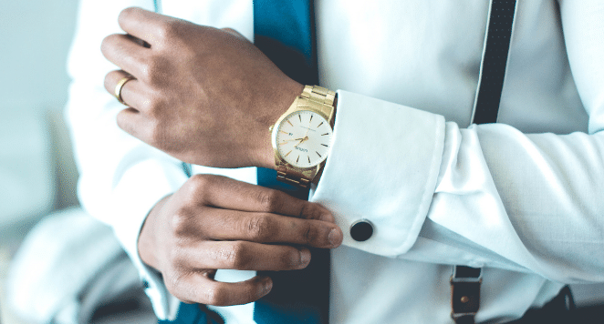 how should a watch fit a man