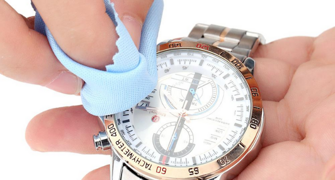 cleaning a watch