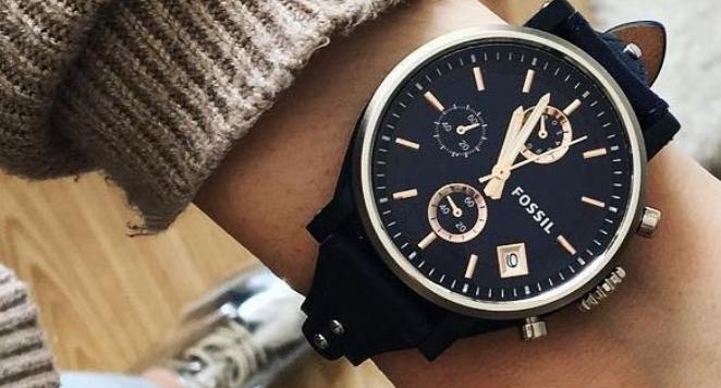 black Fossil boyfriend watch on wrist